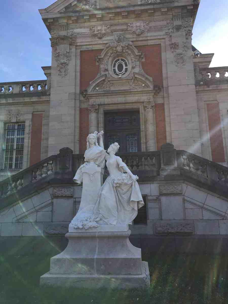 valenciennes-hainaut-visites mystères-autour du louvre lens-musee-beaux arts-jardin-sculpture