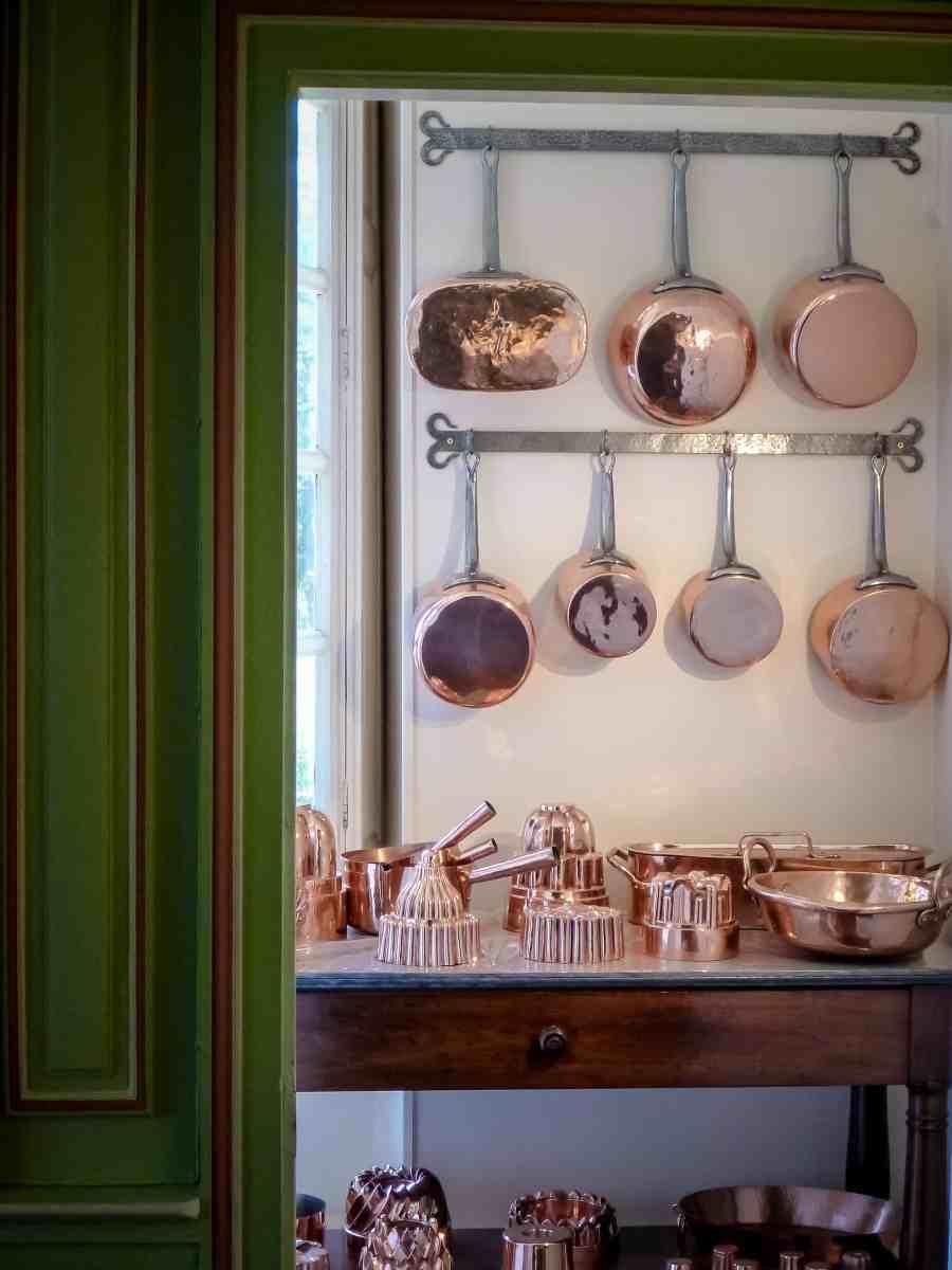 chateau-cheverny-loire-moulinsart-cuisine-cuivre-casserole