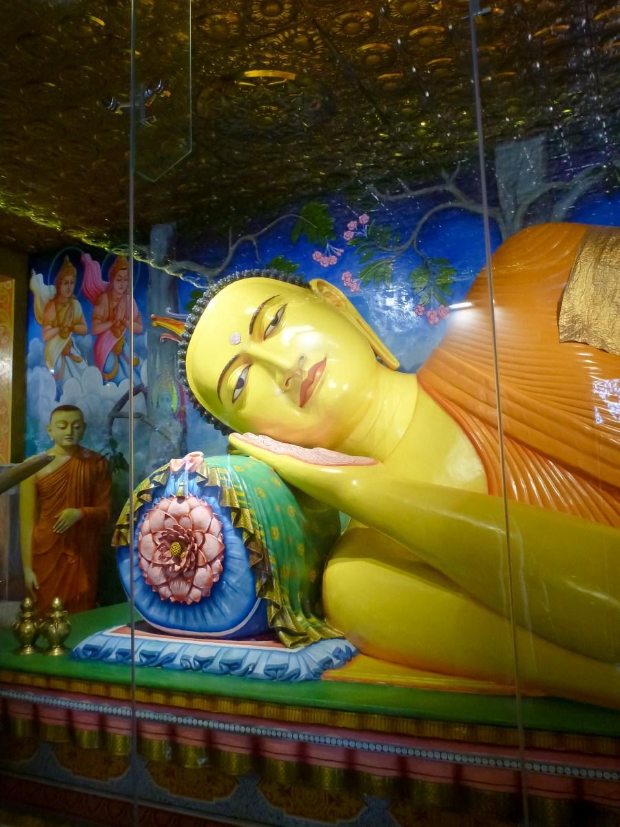 Bouddha couché au Sri Lanka