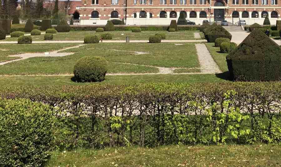Jardin à la française de la faculté Jean Perrin de Lens