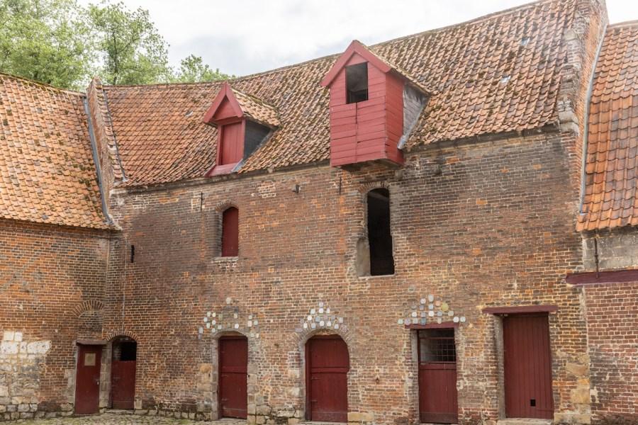 Les granges du château d'Olhain