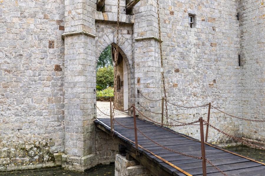 Le pont levis du château d'Olhain