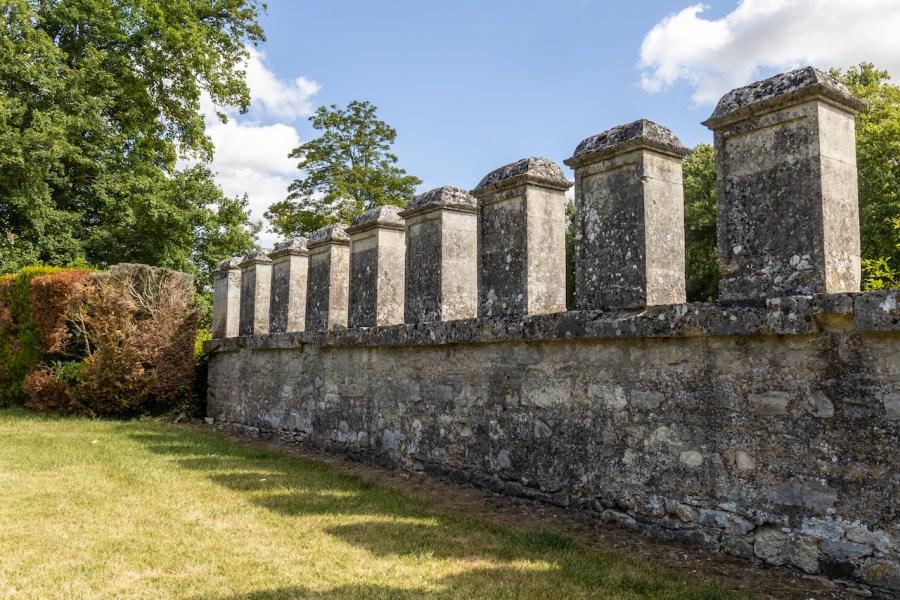 Mur de la roserais à Chaalis