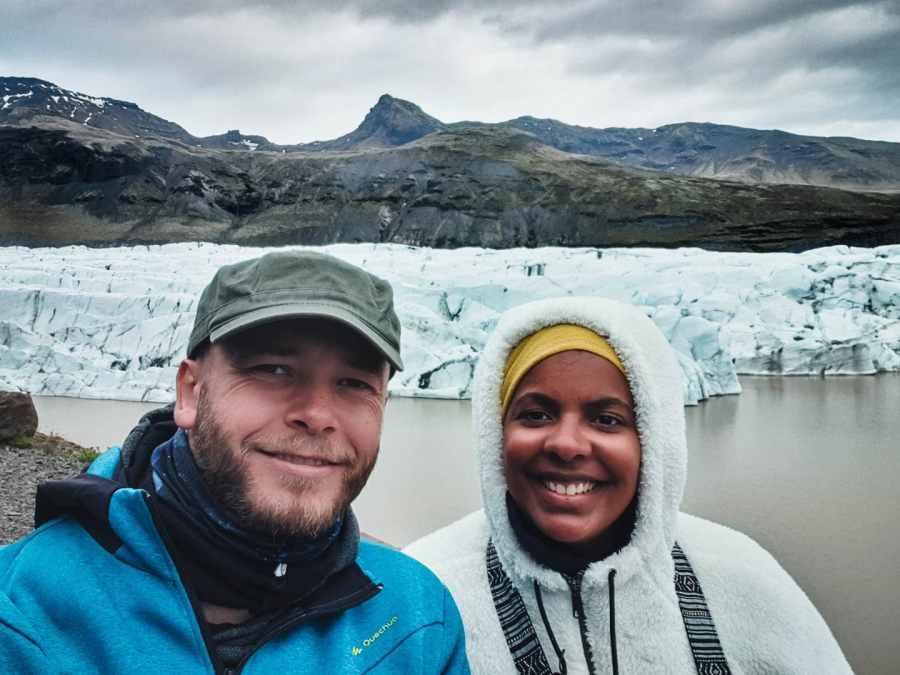 Jeff et moi au milieu d'un glacier en Islande