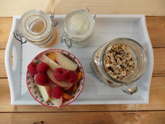 Granola maison, fruits frais, yahourt, miel - 8,50€
