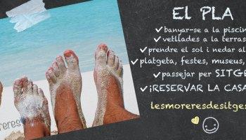 Peus nus d'una parella a la sorra de la platja. El PLA de vacances a Sitges: sorra fina, la mar, piscina, BBQ, oci, relax, gastronomia ... Lloguer de vacances.