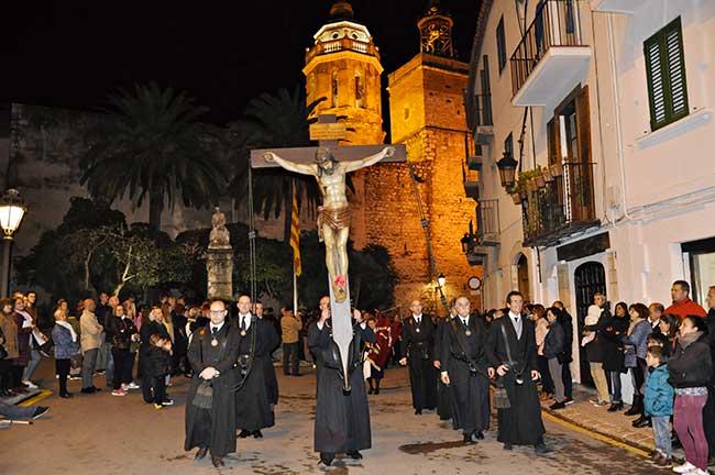 Paso con Jesús crucificado de la procesión del silencio, en Semana Santa.