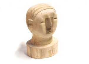KENJI Suzuki Sans titre, 2001 Sculpture marronnier et mastic 19x12x15 cm