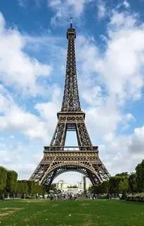 Punaises de lit à Paris- tour Eiffel