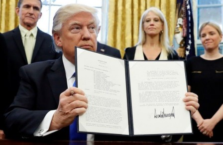 694940094001_5302104109001_Is-Trump-s-executive-order-on-immigration-constitutional-