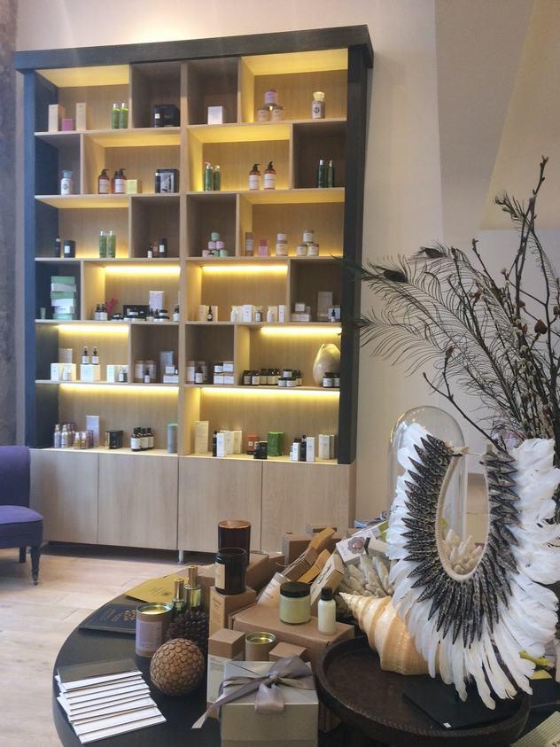 Boutique Awesome Paris 9 : soins bio de niche et de luxe