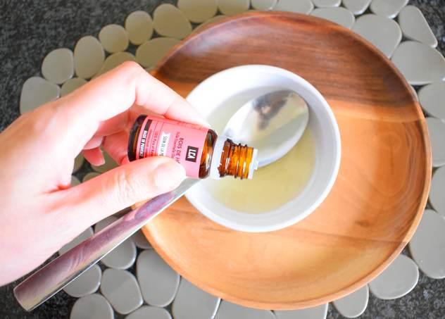 Recette Bain d'huile à l'argan et huile essentielle bois de hô