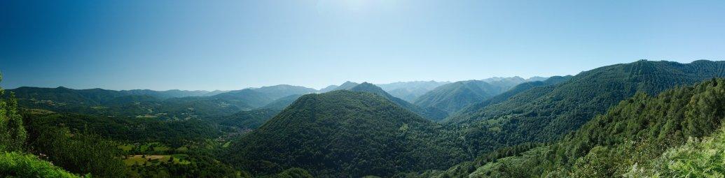 Panoramique dans la montée du col de la Core