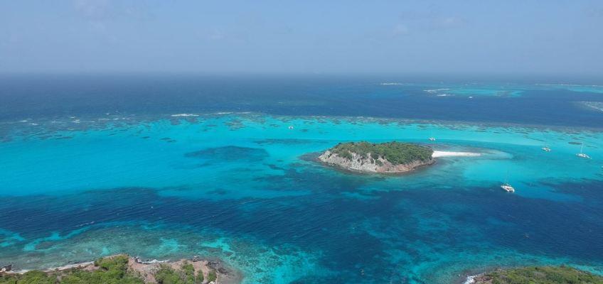 Petit Bateau, Petit Rameau, Baradal, le récif Horseshoe Reef.PG