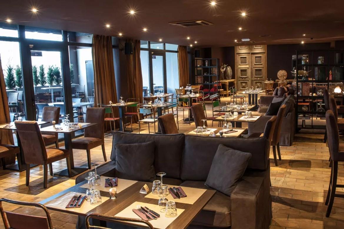Grande salle du restaurant Le Spazio à Fécamp