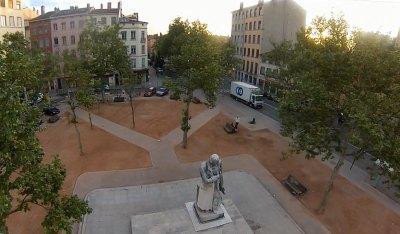 Place de la Croix-Rousse depuis un drone