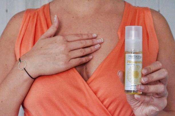 Raffermir la peau du buste naturellement avec l'huile de pâquerette 🌼