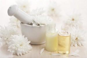 huiles végétales beauté mortier pilon fleurs blanches