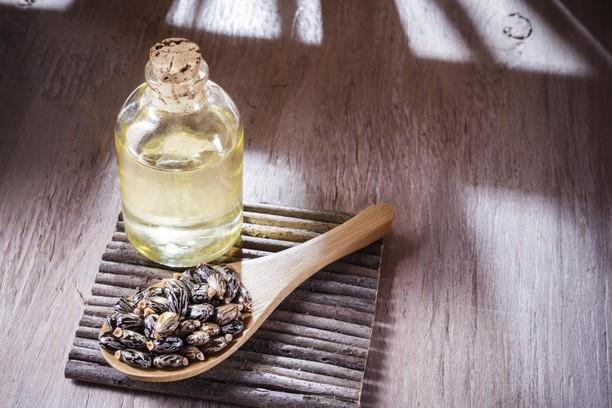 L'huile de ricin, soin de beauté naturel multi-usages