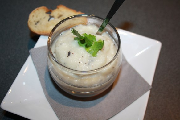 Verrines de purée de topinambour au beurre de truffes