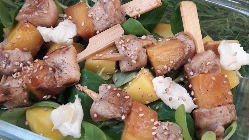 Salade de mangue et poulet teriyaki