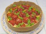 Tarte mozzarella aux tomates pesto de roquette