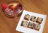 http://www.recettesgourmandesbykelou.com/2013/09/toasts-de-pain-depice-au-pruneau-et-la.html