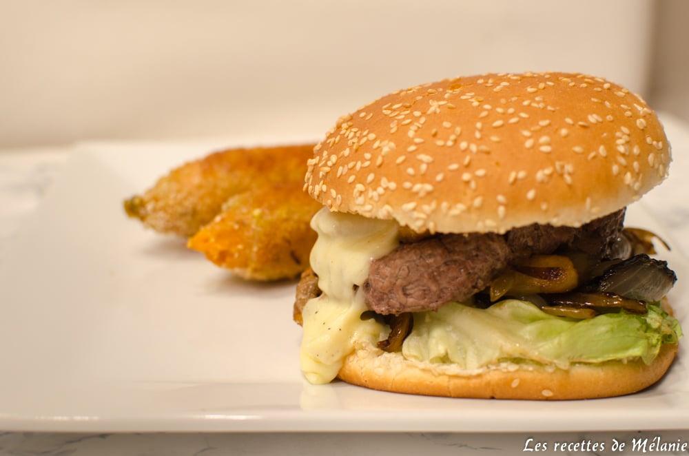 Burger à la normande et patates douces panées