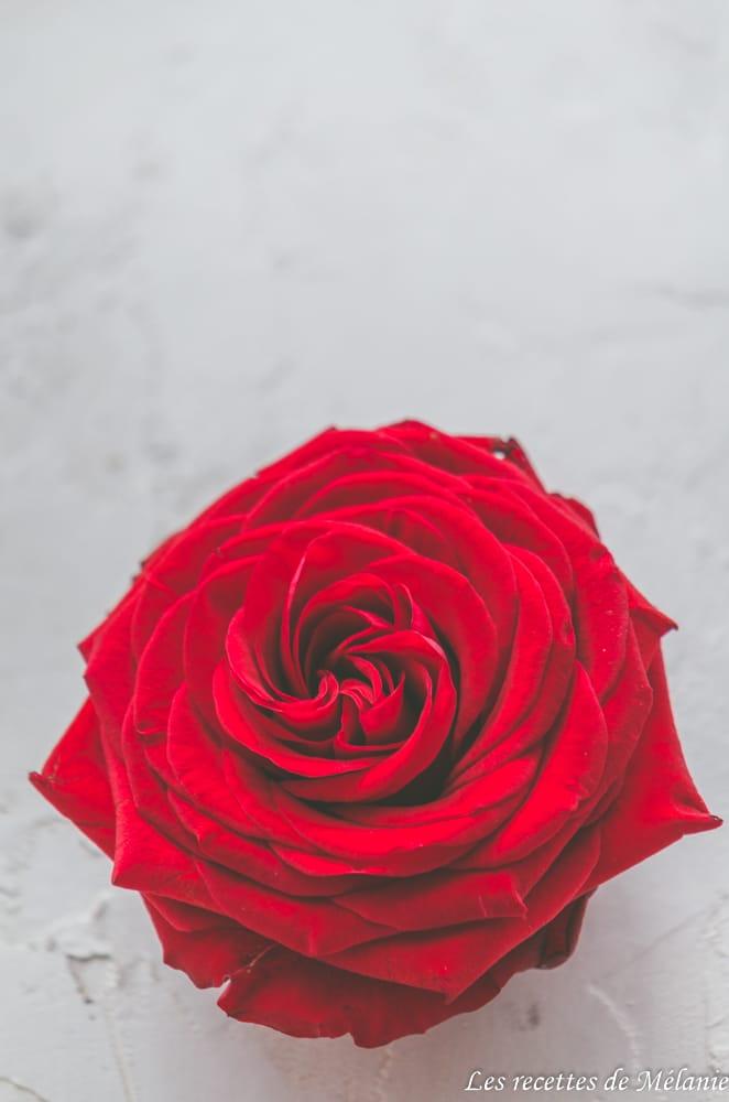 Pavlova grenade et eau de rose pour la fête des mères