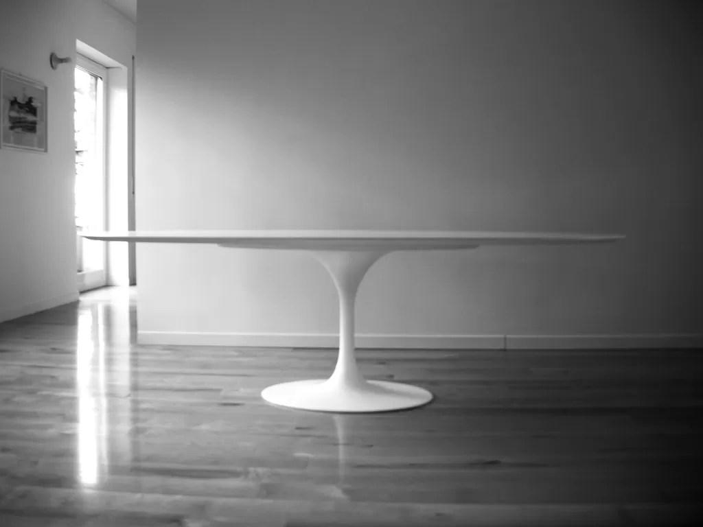 Tavolo Tulip  Eero Saarinen 1956  ovale 244x137  Less is More