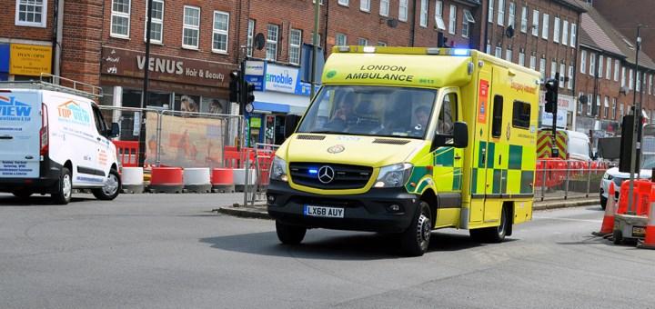 London Ambulance Service Mercedes Benz Sprinter IIb LX68 AUY-8613