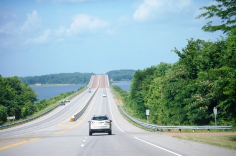 US 79 just north of the Tennessee River