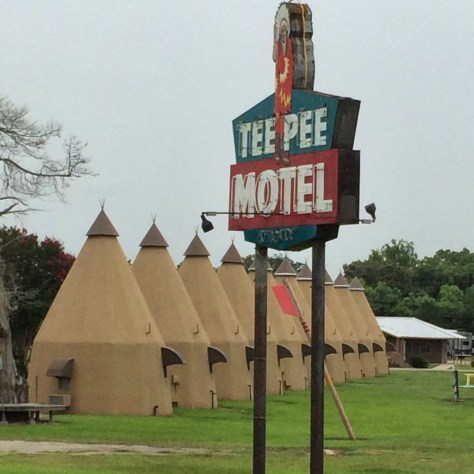 Tee Pee Motel - Wharton, Texas