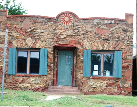 A building made of petrified wood in Hugo