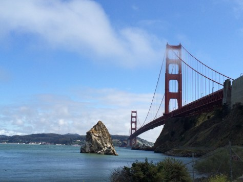 A gorgeous view of the expansive and historic Golden Gate Bridge