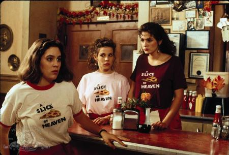Mystic Pizza cast with Lili Taylor, Annabeth Gish and Julian Roberts in 1988