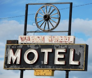 Old Wagon Wheel Motel Neon Sign in Kadoka