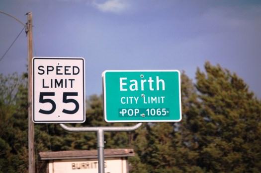 Earth, Texas