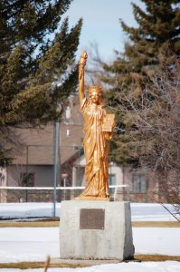 Golden Statue of Liberty in Lewistown