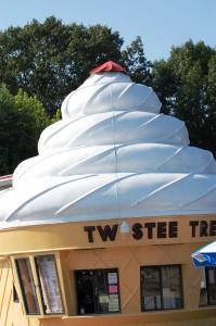 M & M's Twistee Treat - E. Peoria, Illinois