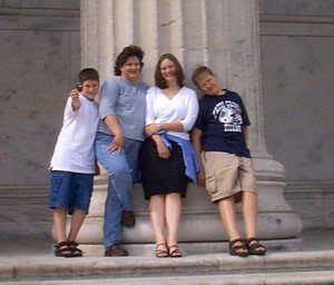 Solomon, Julianne, Amaree and Seth on one of the huge pillars at the Field Museum in Chicago