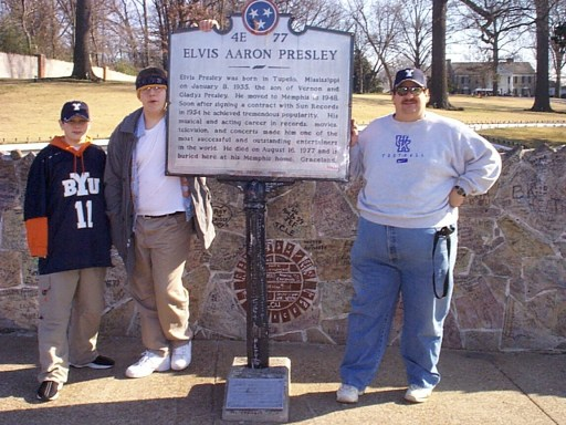 Going to Graceland, Memphis, Tennessee January 2001
