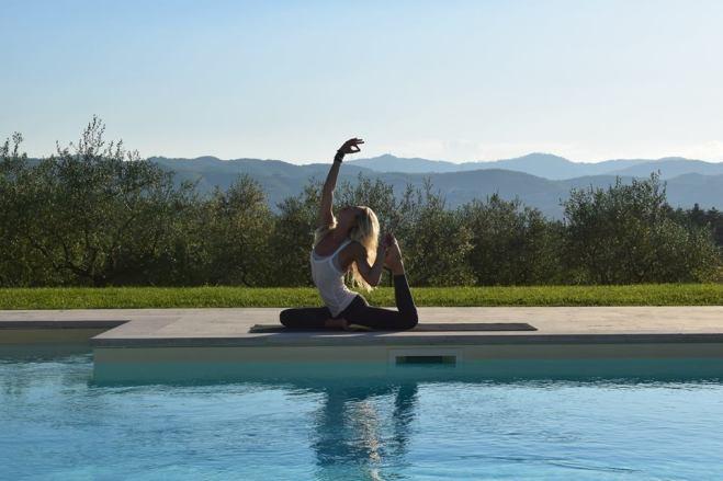 Happy Yoga in Tuscany