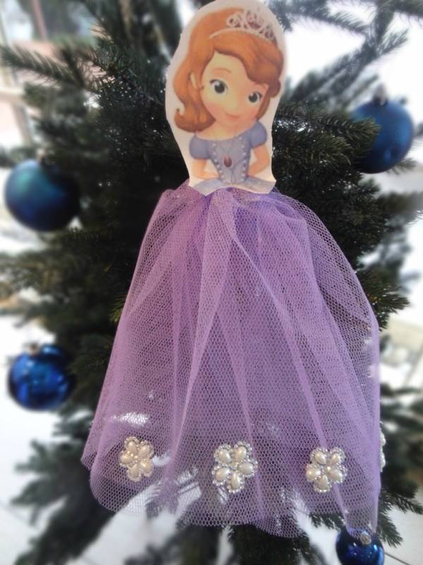 Sofia-the-first-christmas-tree-decoration-diy-disney-kids-children