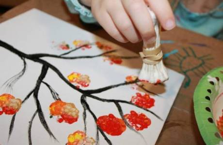 Explore Color Mixing with this Q-Tip Painted Tree