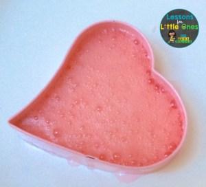 valentine science experiment baking soda & vinegar fizzing hearts