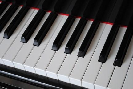 Garder un clavier sous la main pour jouer du piano en vacances