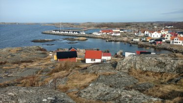 View of homes and boathouses from the pilotstation at Vrångö. (Gothenburg, 25 April 2017)