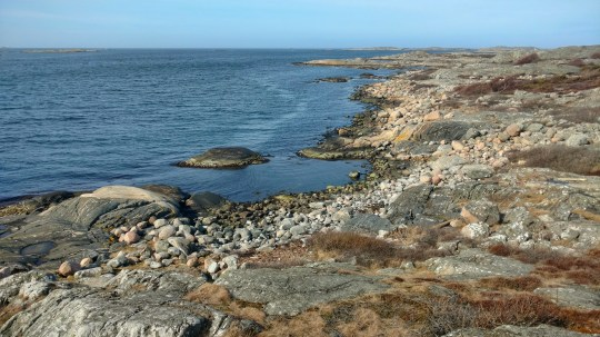 A view from the rocky cliffs at Vrångö. (Gothenburg, 25 April 2017)