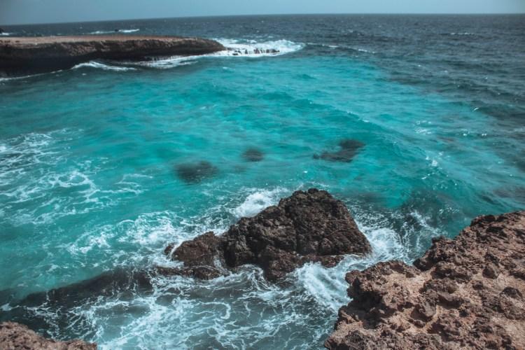 how to travel Aruba